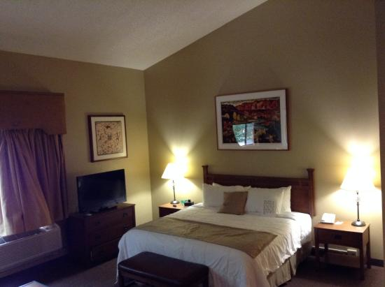 Dulce, NM: King Bed