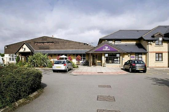 Premier Inn Bedford Priory Marina