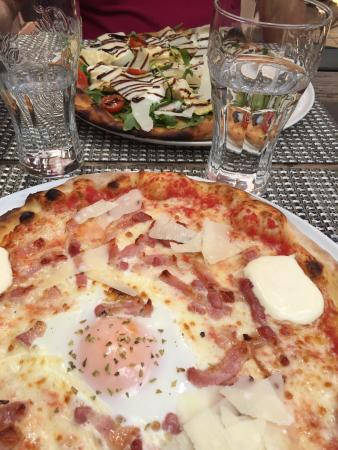 pizza en terrasse photo de pizzeria la guichetta orsay tripadvisor. Black Bedroom Furniture Sets. Home Design Ideas