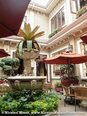 Hotel Grano de Oro San Jose: Courtyard area of the restaurant.