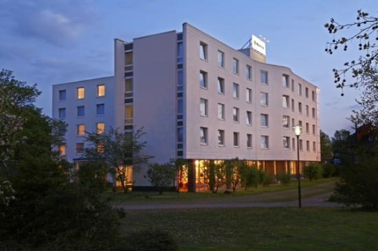 H+ Hotel Solingen City Centre B&B