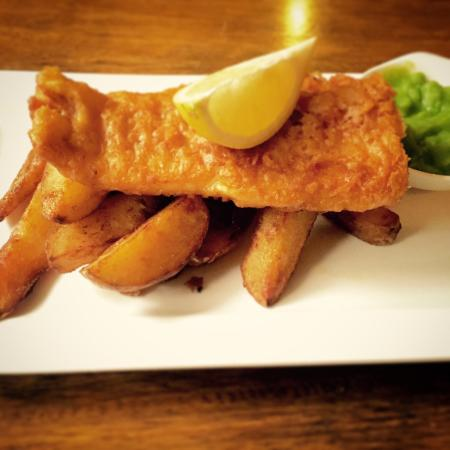 Cod in beer batter with chips for Fish batter for cod