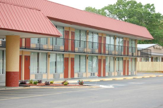 Welcome to Americas Best Value Inn Pontotoc, MS
