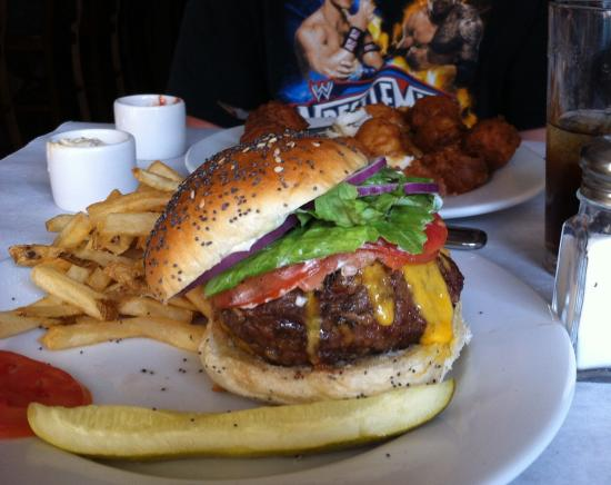 Wardensville, WV: An Outstanding cheeseburger!!!