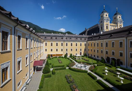 Photo of Hotel Schloss Mondsee
