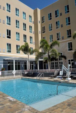 Staybridge Suites St. Petersburg Downtown Hotel