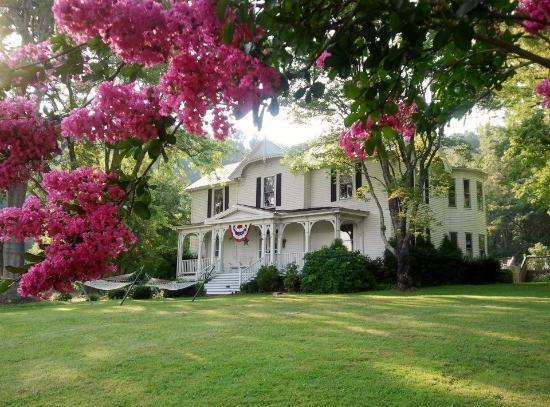 Photo of Orchard House Bed and Breakfast Lovingston