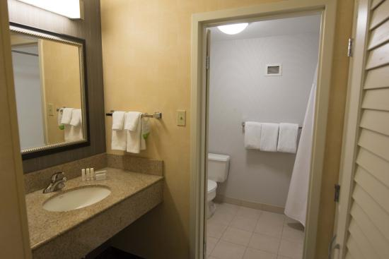Courtyard by Marriott Minneapolis-St. Paul Airport: Clean and large