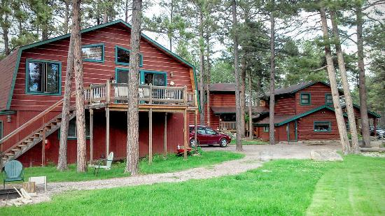 Beautiful accommodating silver mountain resort picture for Silver mountain cabins