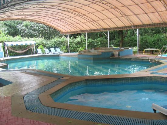 Swimming pool Hotels in mahabaleshwar with swimming pool