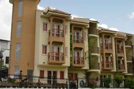 Ozhan Apartments