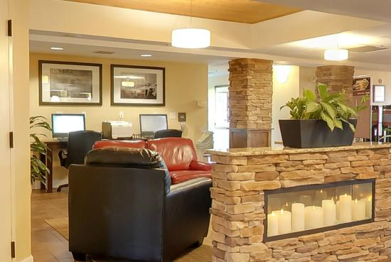 24 hour business center picture of hampton inn southport. Black Bedroom Furniture Sets. Home Design Ideas