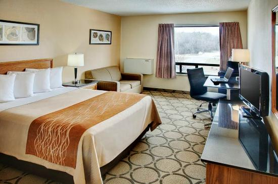 Fresh waffles picture of comfort inn amherst amherst for Comfort inn bedding