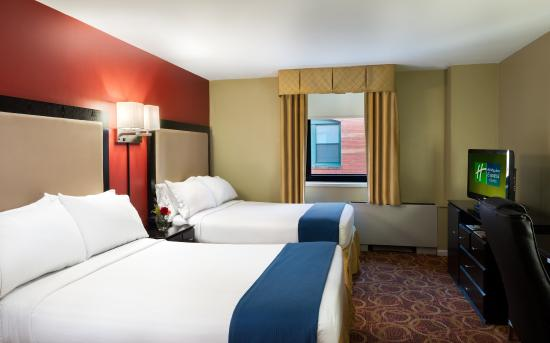 garden city holiday inn express hotel suite: