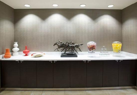 Courtyard by Marriott Louisville Airport: Meeting Room Catering