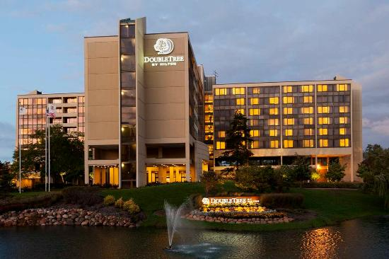 Doubletree Hotel Chicago Oak Brook