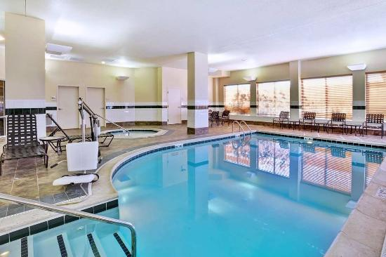 Indoor Pool Whirlpool Picture Of Hilton Garden Inn Chicago Midway Airport Bedford Park