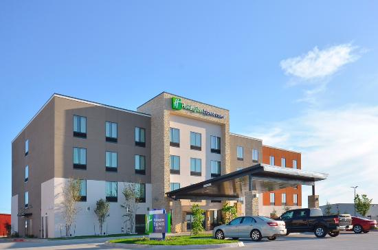 Holiday Inn Express & Suites Oklahoma City Mid - Airport Area