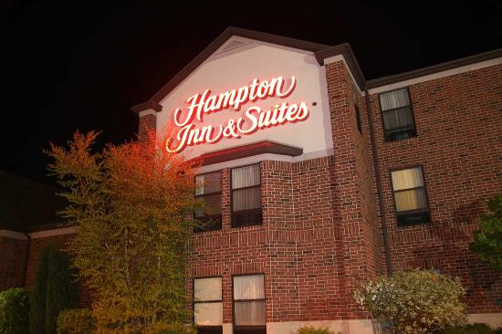 Hampton Inn & Suites East Lansing / Okemos