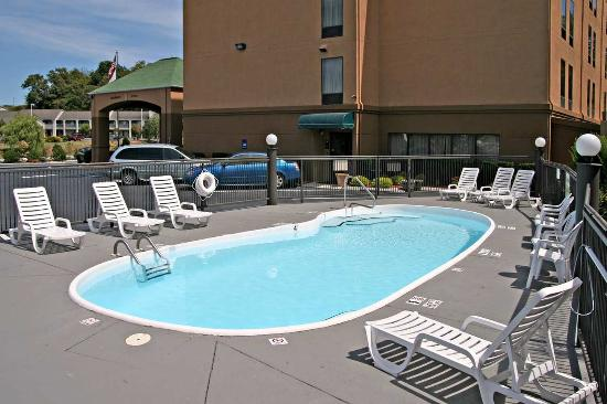 Outdoor Pool Picture Of Hampton Inn Fort Chiswell Max