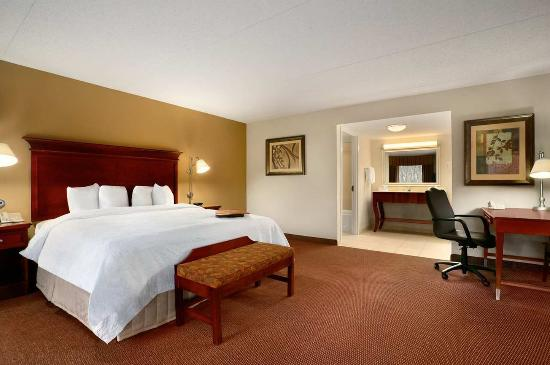 Photo of Hampton Inn Madison
