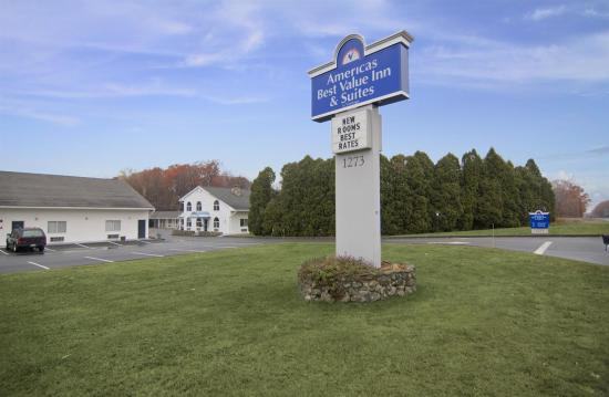 Americas Best Value Inn & Suites Wolcott