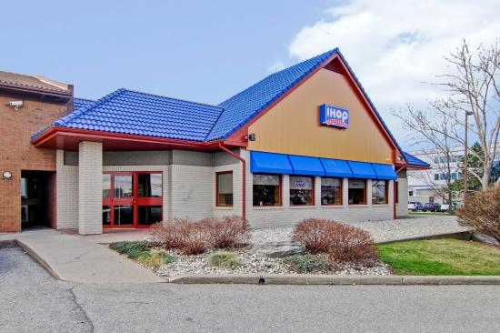 Photo of Settle Inn and Suites Shawano