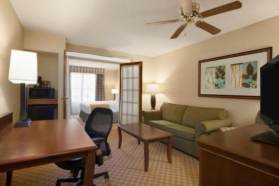 1 Bedroom Suite Picture Of Country Inn Suites By Carlson Lewisville Lewisville Tripadvisor