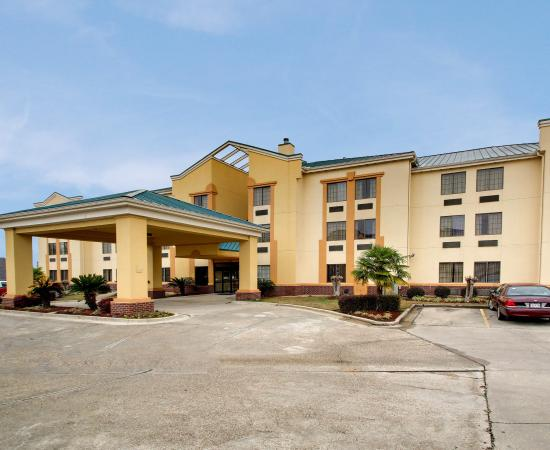 Photo of Comfort Suites Hattiesburg