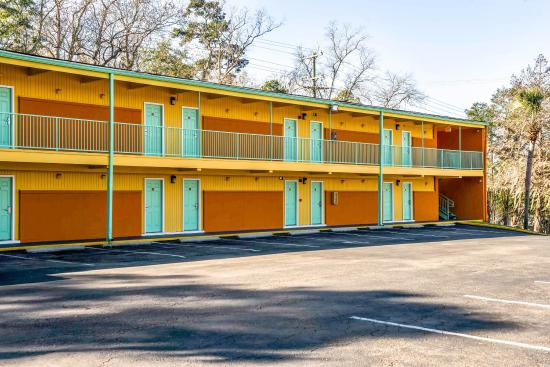 Photo of Econo Lodge Tallahassee