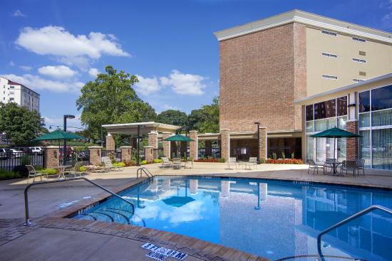 Outdoor Swimming Pool Is Open Memorial Day Through Labor Day Picture Of Holiday Inn Athens