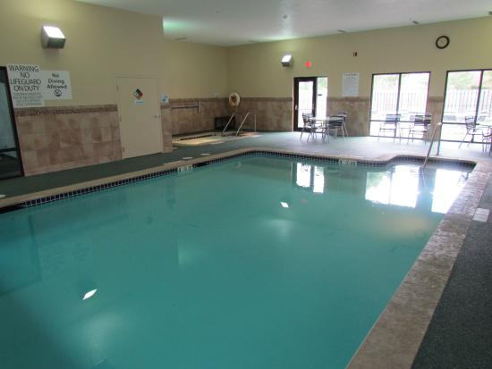 heated in door swimming pool picture of holiday inn express cedar rapids collins road cedar