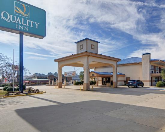 Photo of Quality Inn Marshall
