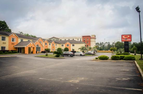 Photo of Econo Lodge Inn And Suites Pensacola