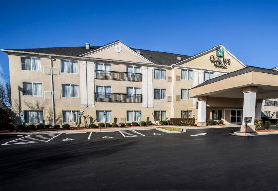 Photo of Quality Suites Pineville