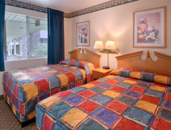 Two Double And King Bed Suite Picture Of Nashville Airport Inn Suites Nashville Tripadvisor