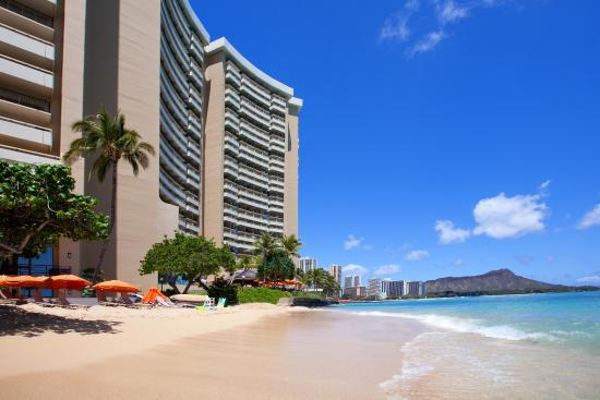 Best pools in waikiki review of sheraton waikiki for Pool light show waikiki