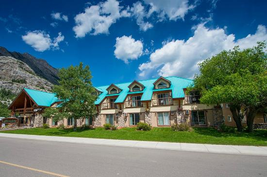 Photo of Waterton Glacier Suites Waterton Lakes National Park