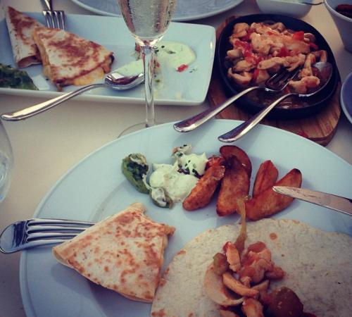 Vale do Lobo, Πορτογαλία: Our meal (shared)