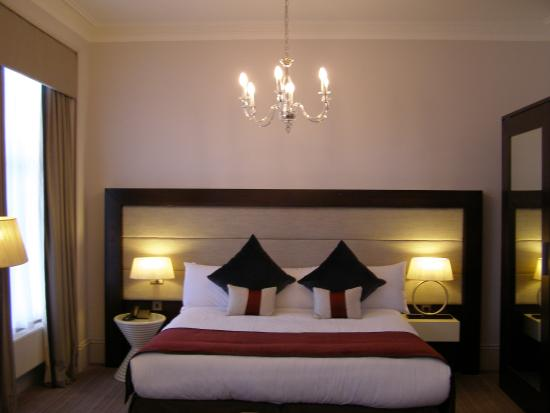 Deluxe double 3 picture of mercure aberdeen caledonian for 10 14 union terrace aberdeen ab10 1we