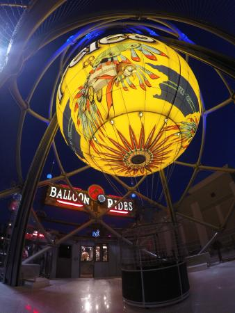 Parakeet Pete's Steampunk Balloon