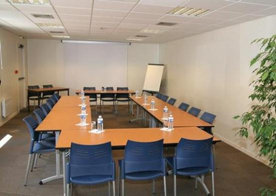 Cleon, France: Meeting Room