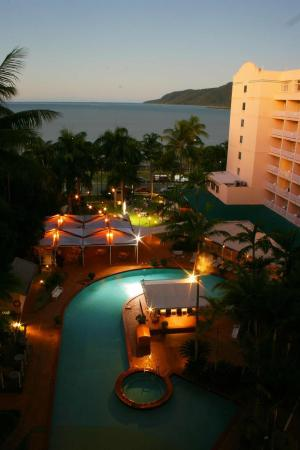 Rydges Tradewinds Cairns Hotel