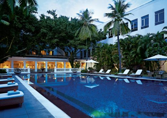 Vivanta by taj connemara chennai chennai madras india hotel reviews tripadvisor for Beach resort in chennai with swimming pool