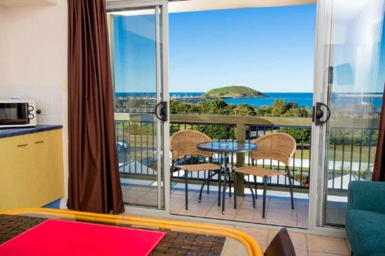 The Observatory Holiday Apartments: Whale watching from your apartment