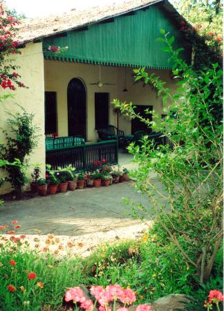 WelcomHeritage Connaught House Mount Abu