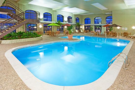 Michigan Shaped Indoor Pool Picture Of Holiday Inn Midland Midland Tripadvisor