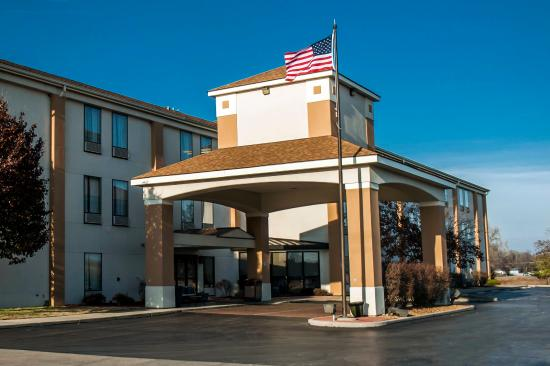 Photo of Comfort Inn & Suites Cahokia