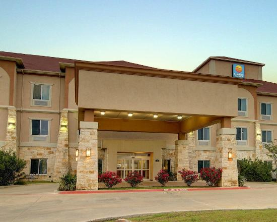 Photo of Comfort Inn & Suites Alvarado