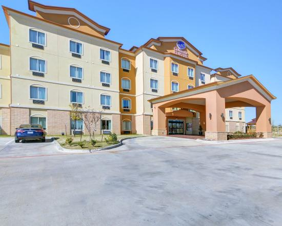 Photo of Comfort Suites at Lake Worth Fort Worth
